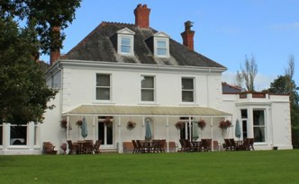 Mansion House Llansteffan (Pantyathro)